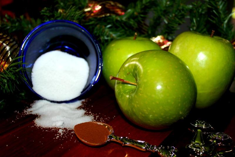 Apples and Cinnamon