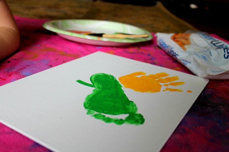 hand-print-foot-print-project-for-kids