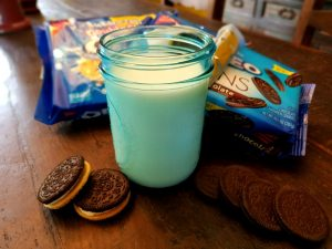 How Do You Dunk Your OREO Cookies