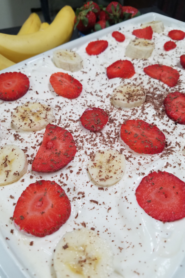 An easy to make and delicious to eat no bake strawberry banana icebox cake. Perfect for family gatherings and picnics.