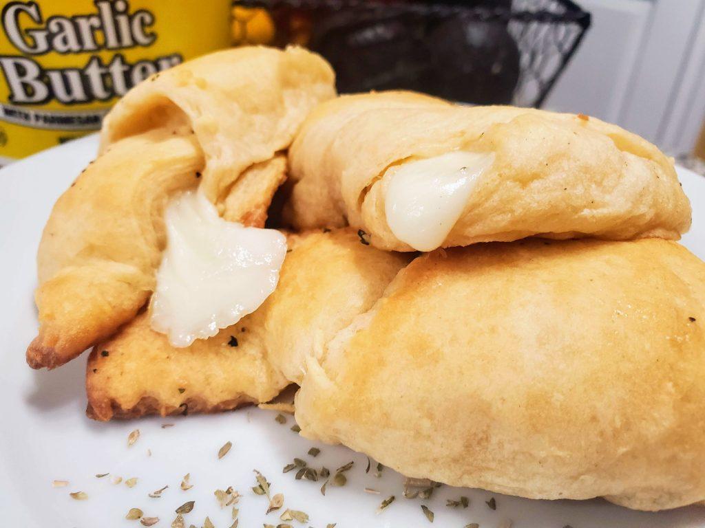 Cheesy Garlic Butter Crescent Rolls